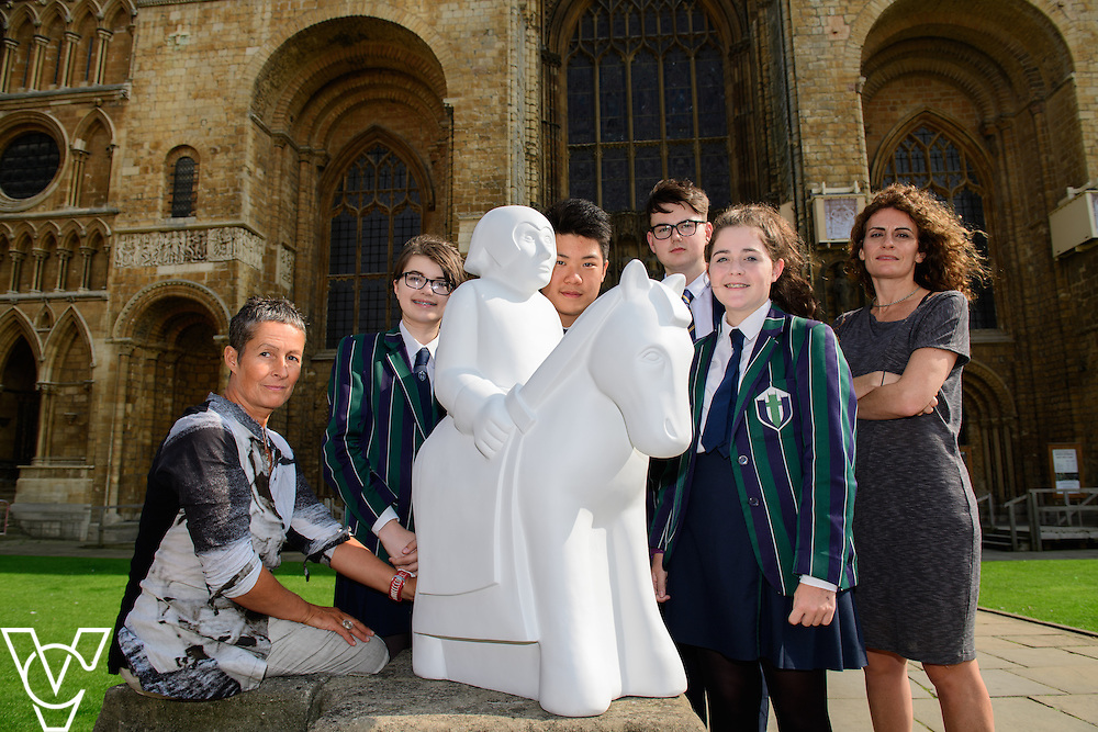 The Lincoln Knights&rsquo; Trail Education Programme - The EBP has been appointed as the official education partner for the 2017 Lincoln Knights&rsquo; Trail.  Pictured pupils and staff from Lincoln Minster School with a half sized knight which is part of the education programme in front of Lincoln Cathedral<br /> <br /> Picture: Chris Vaughan Photography for The EBP<br /> Date: September 14, 2016