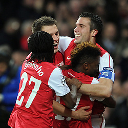 23.11.2011, Emirates Stadion, London, ENG, UEFA CL, Gruppe F, FC Arsenal (ENG) vs Borussia Dortmund (GER), im Bild Arsenal's Robin Van Persie celebrates with his team-mates after heading the opening goal during the football match of UEFA Champions league, group F, between FC Arsenal (ENG) and Borussia Dortmund (POR) at Emirates Stadium, London, United Kingdom on 2011/11/23. EXPA Pictures © 2011, PhotoCredit: EXPA/ Sportida/ Chris Brunskill..***** ATTENTION - OUT OF ENG, GBR, UK *****