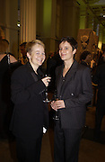 Sarah Waters and Lucy Vaughn. Booker prize, British Museum, 22 October 2002. © Copyright Photograph by Dafydd Jones 66 Stockwell Park Rd. London SW9 0DA Tel 020 7733 0108 www.dafjones.com