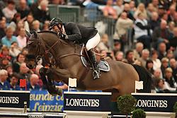 Delaveau, Patrice (FRA), Lacrimoso 3 HDC<br /> Leipzig - Partner Pferd 2016<br /> Grosser Preis Sparkassen Leipzig und Longines Weltcup<br /> © www.sportfotos-lafrentz.de / Stefan Lafrentz