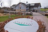 AMSTERDAM - Clubhuis van  de Openbare Golfbaan De Hoge Dijk in Amsterdam. COPYRIGHT KOEN SUYK