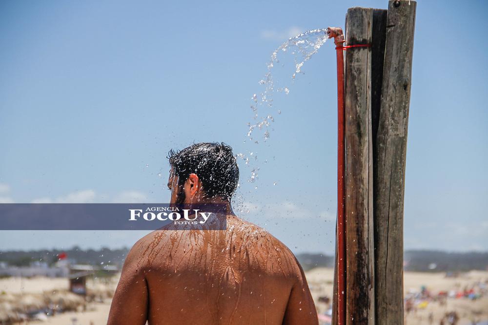 Rocha,  Uruguay. 11 de Enero de 2018.  <br /> Balneario La Pedrera. Calor<br /> Foto: Gast&oacute;n Britos / FocoUy