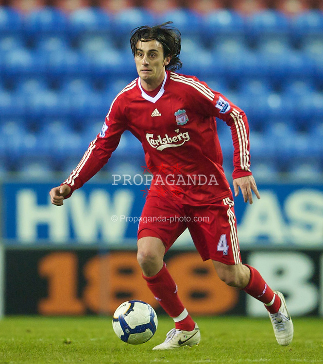 WIGAN, ENGLAND - Monday, March 8, 2010: Liverpool's Alberto Aquilani in action against Wigan Athletic during the Premiership match at the DW Stadium. (Photo by David Rawcliffe/Propaganda)