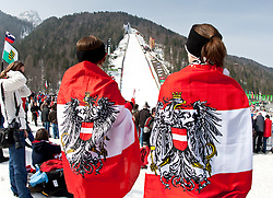19.03.2010, Planica, Kranjska Gora, SLO, FIS SKI Flying World Championships 2010, Features, im Bild österreichische Fans im Zielstadion der Flugschanze in Planica, EXPA Pictures © 2010, PhotoCredit: EXPA/ J. Groder / SPORTIDA PHOTO AGENCY