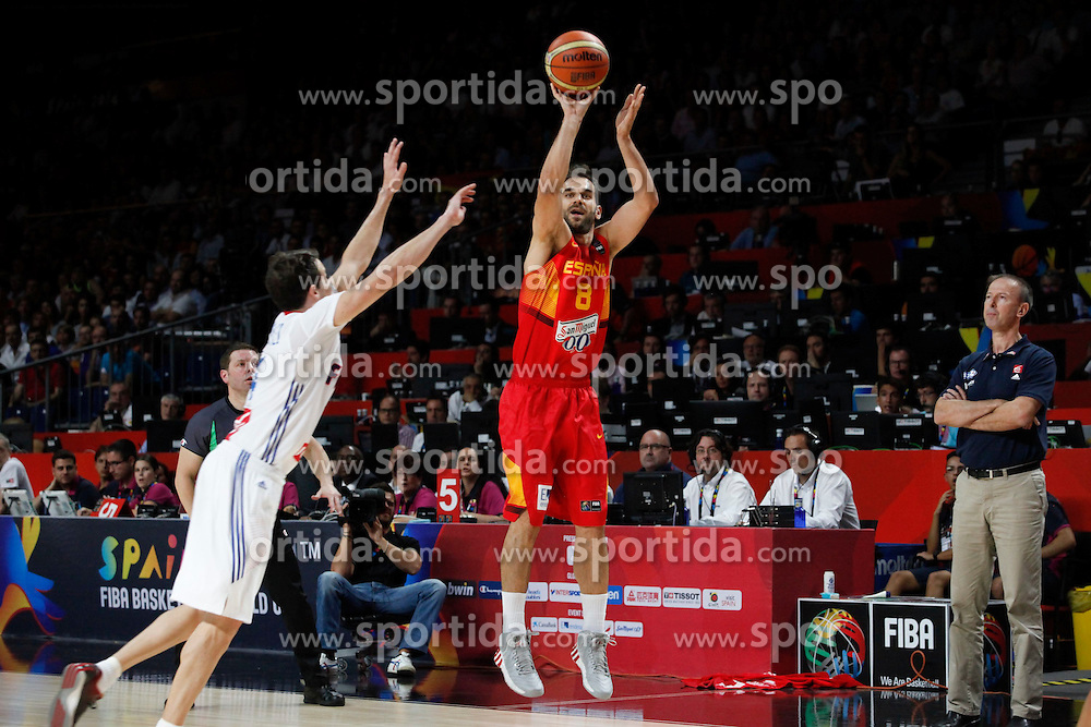 10.09.2014, Palacio de los deportes, Madrid, ESP, FIBA WM, Frankreich vs Spanien, Viertelfinale, im Bild Spain´s Calderon (R) and France´s Heurtel // during FIBA Basketball World Cup Spain 2014 Quarter-Final match between France and Spain at the Palacio de los deportes in Madrid, Spain on 2014/09/10. EXPA Pictures © 2014, PhotoCredit: EXPA/ Alterphotos/ Victor Blanco<br /> <br /> *****ATTENTION - OUT of ESP, SUI*****