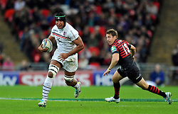 Toulouse flanker Thierry Dusautoir goes on the attack - Photo mandatory by-line: Patrick Khachfe/JMP - Tel: 07966 386802 - 18/10/2013 - SPORT - RUGBY UNION - Wembley Stadium, London - Saracens v Toulouse - Heineken Cup Round 2.