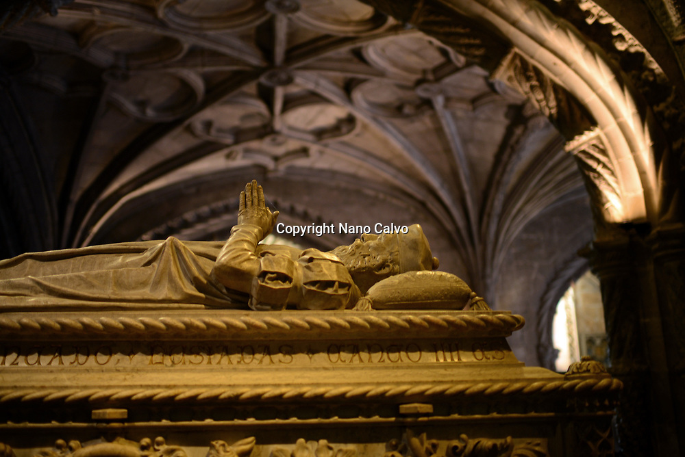 Tomb of the explorer Vasco da Gama in the church of Santa Maria de Bélem at Jeronimos Monastery or Hieronymites Monastery (The Mosteiro dos Jeronimos), a former monastery of the Order of Saint Jerome near the Tagus river in the parish of Belém, in the Lisbon Municipality, Portugal