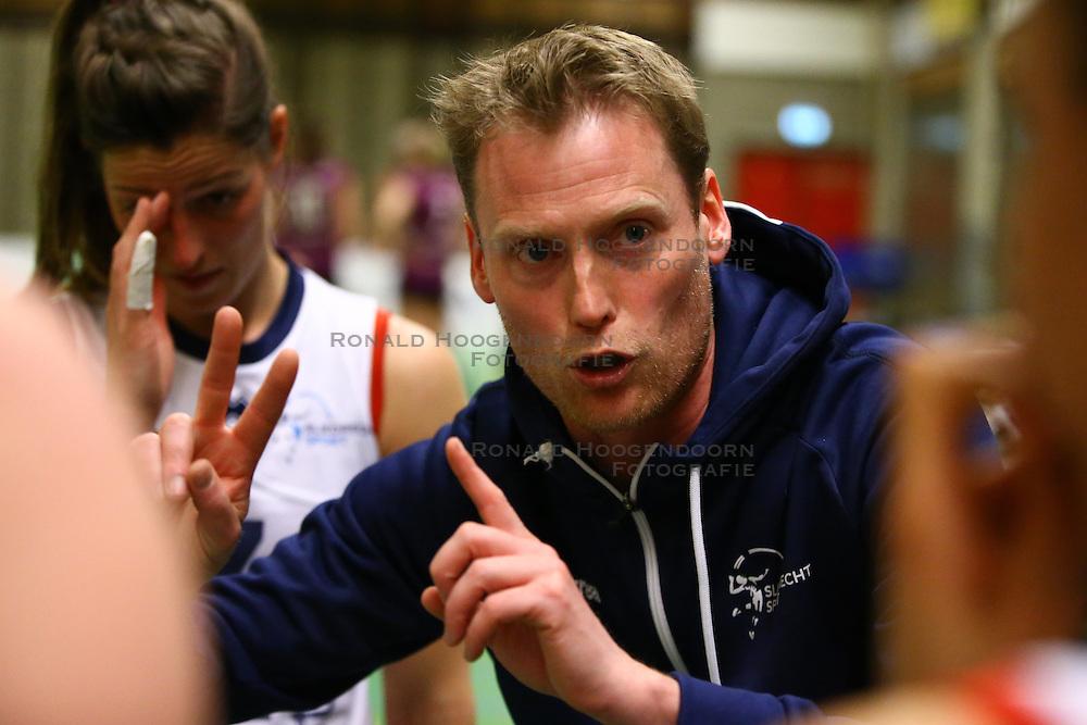 20160409 NED: Volleybal: Sliedrecht Sport - Eurosped TVT, Sliedrecht  <br />Matt van Wezel