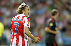 30.09.2010, Vicente Calderon Stadion, Madrid, UEFA EL, Atletico de Madrid vs Bayer 04 Leverkusen, im Bild Atletico de Madrid's Diego Forlan reacts during Europa League match. EXPA Pictures © 2010, PhotoCredit: EXPA/ Alterphotos/ Alvaro Hernandez +++++ ATTENTION - OUT OF SPAIN / ESP +++++