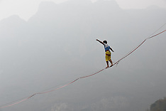 China: Slackline Guinness World Record, 6 Nov. 2016