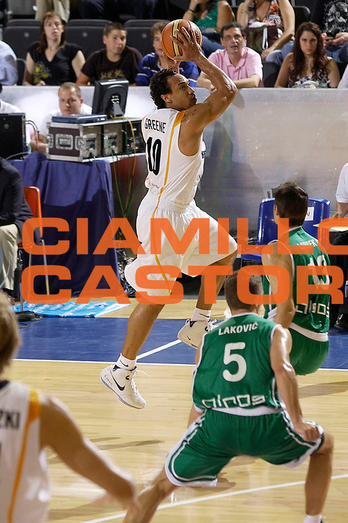 DESCRIZIONE : Madrid Spagna Spain Eurobasket Men 2007 Qualifying Round Germania Slovenia Germany Slovenia <br /> GIOCATORE : Demond Greene <br /> SQUADRA : Germania Germany <br /> EVENTO : Eurobasket Men 2007 Campionati Europei Uomini 2007 <br /> GARA : Germania Slovenia Germany Slovenia <br /> DATA : 10/09/2007 <br /> CATEGORIA : Passaggio <br /> SPORT : Pallacanestro <br /> AUTORE : Ciamillo&amp;Castoria/JF.Molliere <br /> Galleria : Eurobasket Men 2007 <br /> Fotonotizia : Madrid Spagna Spain Eurobasket Men 2007 Qualifying Round Germania Slovenia Germany Slovenia <br /> Predefinita :