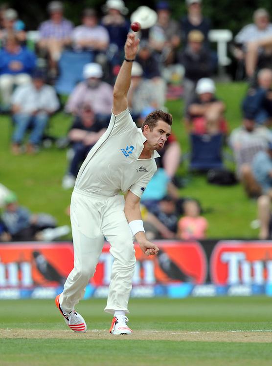 New Zealand's Tim Southee bowls against Sri Lanka on day two of the first International Cricket Test, University Cricket Oval, Dunedin, New Zealand, Friday, December 11, 2015. Credit:SNPA / Ross Setford