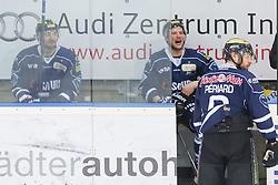 12.04.2015, Saturn Arena, Ingolstadt, GER, DEL, ERC Ingolstadt vs Adler Mannheim, Playoff, Finale, 2. Spiel, im Bild Drei Mann gleichzeitig auf der Bank: Jeffrey Szwez (Nr, ERC Ingolstadt), Patrick Hager (Nr.52, ERC Ingolstadt) und Michel Periard (Nr.6, ERC Ingolstadt) // during Germans DEL Icehockey League 2nd final match between ERC Ingolstadt and Adler Mannheim at the Saturn Arena in Ingolstadt, Germany on 2015/04/12. EXPA Pictures © 2015, PhotoCredit: EXPA/ Eibner-Pressefoto/ Strisch<br /> <br /> *****ATTENTION - OUT of GER*****