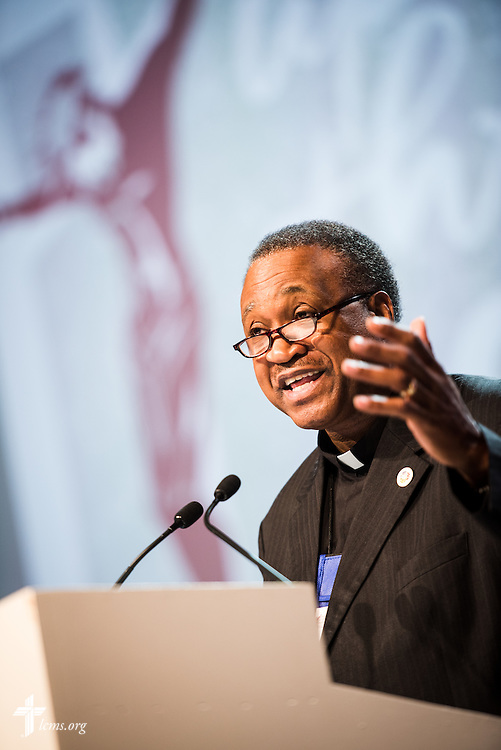 """The Rev. Dr. Roosevelt Gray Jr., one of five essayists at the 66th Regular Convention of The Lutheran Church—Missouri Synod, addresses delegates and guests on Monday, July 11, in Milwaukee. Repentance and forgiveness, grace and mercy, hope and healing, all go hand in hand, Gray said, and faith in Jesus Christ gives """"reason for hope,"""" even in anxious times. LCMS/Michael Schuermann"""