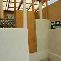 """Jiquipilco, Mex.- Aspectos del primer centro de salud """"verde"""", en Jiquipilco, que fue construidO con materiales reciclabes. Agencia MVT / José Hernández. (DIGITAL)<br /> <br /> <br /> <br /> NO ARCHIVAR - NO ARCHIVE"""