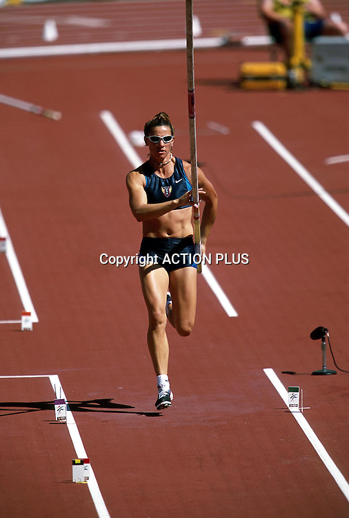STACY DRAGILA (USA), Women's Pole Vault, World Athletics Championships, Edmonton, 2001. <br />