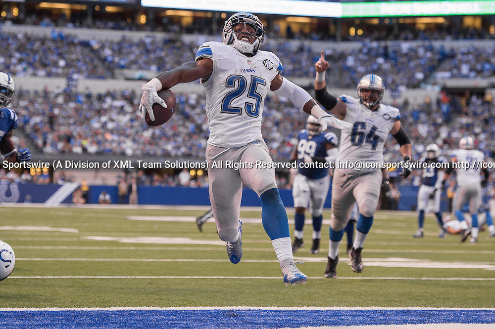September 11, 2016: Detroit Lions running back Theo Riddick (25) scores a touchdown during the week 1 NFL game between the Detroit Lions and Indianapolis Colts at Lucas Oil Stadium in Indianapolis, IN.  (Photo by Zach Bolinger/Icon Sportswire)