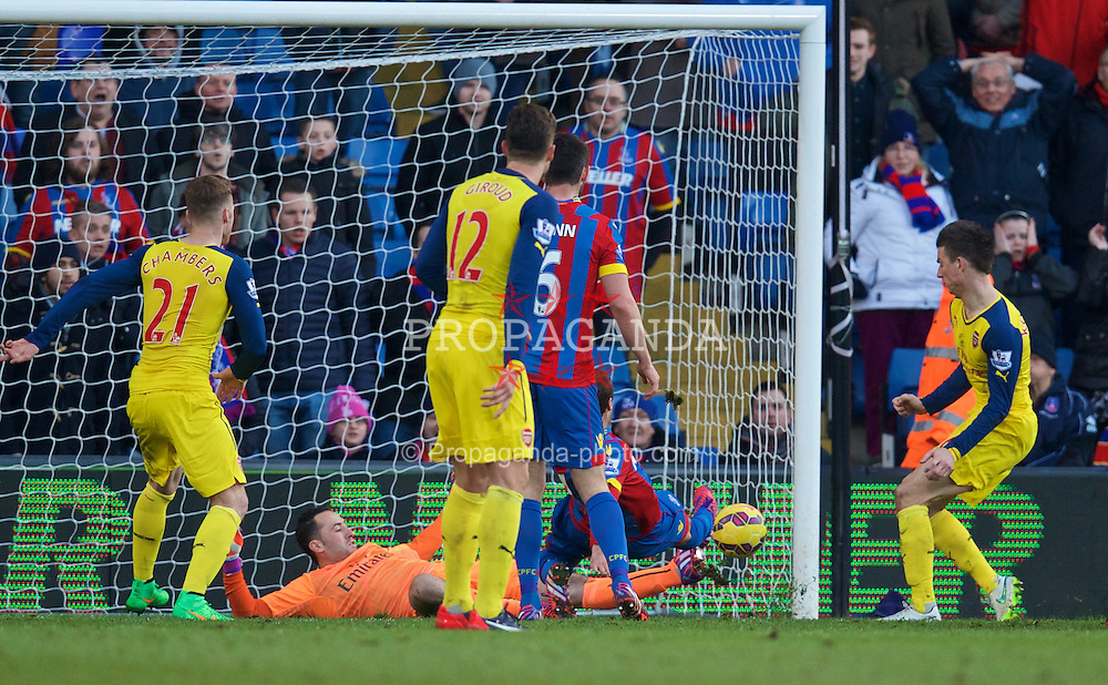 LONDON, ENGLAND - Saturday, February 21, 2015: Crystal Palace's Glenn Murray [hidden] scores the a consolation goal against Arsenal during the Premier League match at Selhurst Park. (Pic by David Rawcliffe/Propaganda)