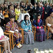 NLD/Laren/20100508 - Koningin Tshering Pem Wangchuck van Bhutan bezoekt Laren, fotografe Justine Han, Dasho Jigel Ugen Wangchuck, Ashi  Chimi Yamgzam, Dasho Jigme Khesar Namgyal Wangchuck