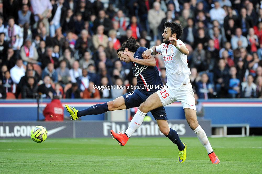 Edinson CAVANI / Marko BASA - 25.04.2015 - Paris Saint Germain / Lille - 34eme journee de Ligue 1<br />Photo : Nolwenn Le Gouic / Icon Sport
