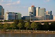 UNO City an der Donau , Wien, Österreich .|.UNO City, Vienna, Austria..