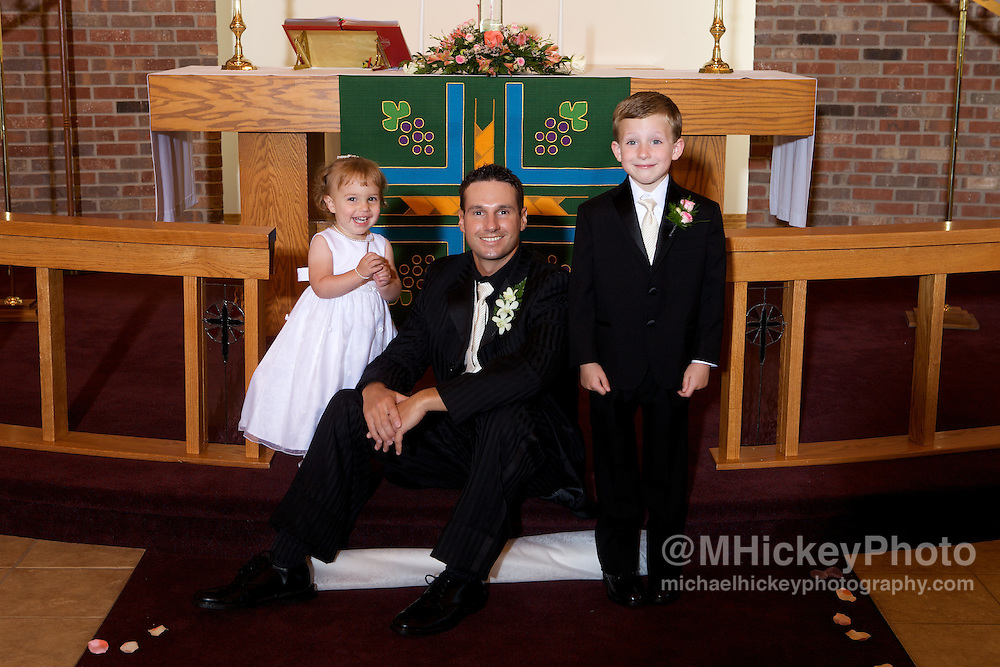 Wedding of Nicole Henseleit and Matt Geary in Kokomo, Indiana.