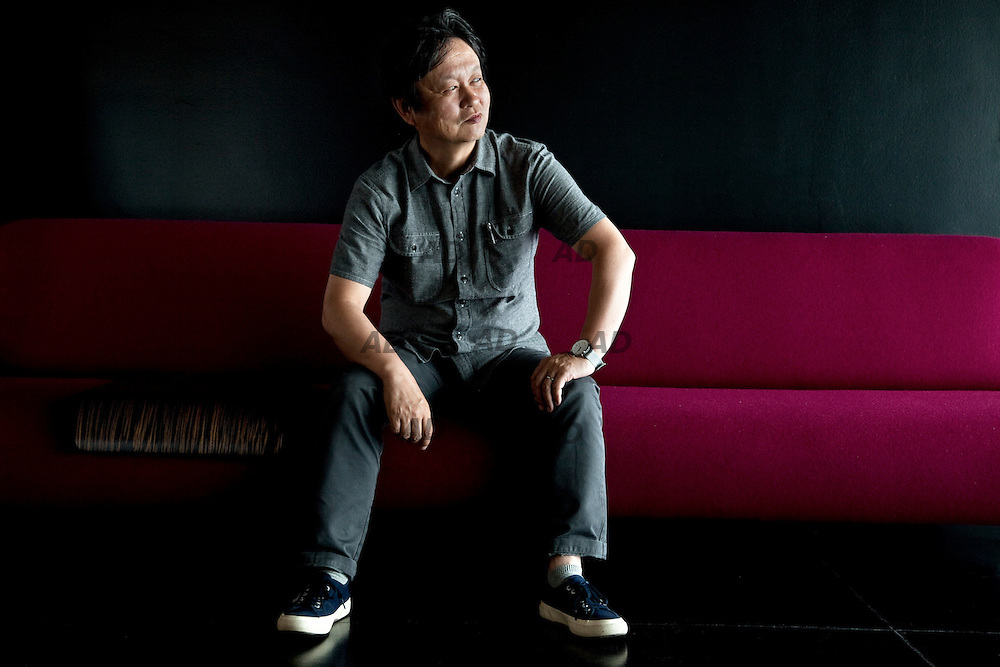 The Japanese designer Naoto Fukasawa. Ever since its foundation in 1966, B&B italia has been a leader in the contemporary furnishing sector. the company has won international acclaim as a representative of italian furniture design, both for homes (B&B Italia home division) and public areas (B&B Italia contract division). The group's headquarters are located north of milan, in a prestigious building designed by renzo piano and richard rogers. It is famous for the alchemy resulting from a mix of creativity, innovation and production that creates modern, yet timeless, pieces of furniture. B&B Italia collaborates with international designers, leaving its own distinctive mark on each product: every design is unique, an exemplification of the values of research, creativity and function. The importance of research, which has always been a fundamental aspect of the group's development, is evident in the in-house research and development centre.