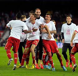 01.05.2013, Fussball Champions League Halbfinale Rückspiel: FC Barcelona - FC Bayern München, im Stadion Nou Camp in Barcelona, Spanien. Schlussjubel mit FINAL-TShirt.