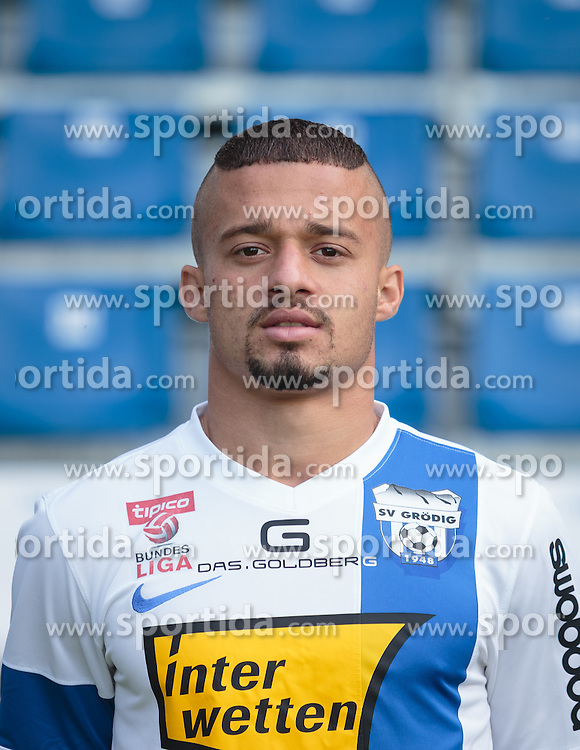 15.09.2015, Das Goldberg Stadion, Groedig, AUT, 1. FBL, Fototermin SV Groedig, im Bild Lucas Henrique Venuto (SV Groedig) // during the official Team and Portrait Photoshoot of Austrian Football Bundesliga Team SV Groedig at the Das Goldberg Stadion, Groedig, Austria on 2015/09/15. EXPA Pictures © 2015, PhotoCredit: EXPA/ JFK