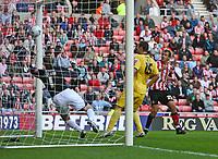 Photo: Andrew Unwin.<br /> Sunderland v Barnsley. Coca Cola Championship. 21/10/2006.<br /> Sunderland's Chris Brown (R) scores his team's second goal.