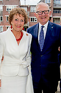 LEIDEN - Princess Margriet and Pieter van Vollenhoven at the Museum of Ethnology at the opening of the exhibition Canadian Inuit Art. The reason for the exhibition is the 150th anniversary of Canada. COPYRIGHT ROBIN UTRECHT <br /> LEIDEN - Prinses Margriet en Pieter van Vollenhoven in het Museum Volkenkunde bij de opening van de tentoonstelling Canadese Inuit Kunst. Aanleiding voor de tentoonstelling is het 150-jarig bestaan van Canada.  COPYRIGHT ROBIN UTRECHT