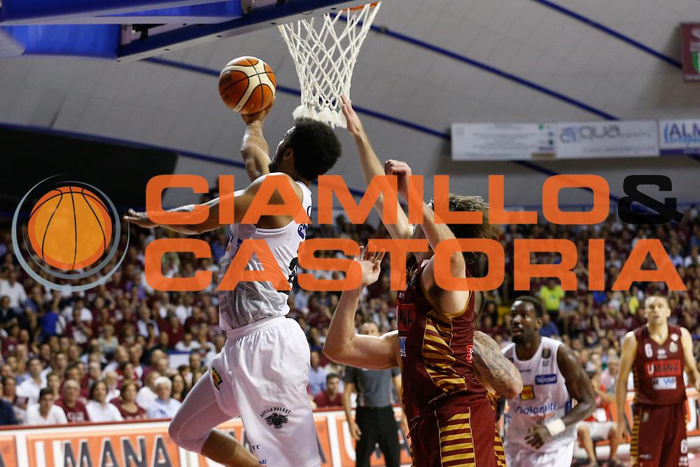 Shavon Shields<br /> Umana Reyer Venezia - Dolomiti Energia Aquila Basket Trento<br /> Lega Basket Serie A 2016/17 Finali Gara 02<br /> Venezia, 12/06/2017<br /> Foto Ciamillo-Castoria / M. Brondi