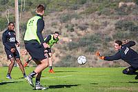 ESTEPONA - 06-01-2016, AZ in Spanje 6 januari, AZ speler Vincent Janssen, AZ keeper Nick Olij
