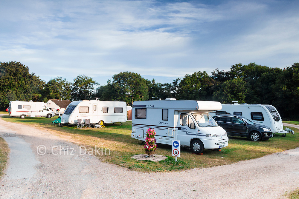 Early morning peace and quiet at the Camping and Caravanning Club site in Chipping Norton. Although this shot was taken very early on a Sat am, it was lovely and peaceful even on a Fri night with kids playing (fairly!) quietly and folks relaxing.
