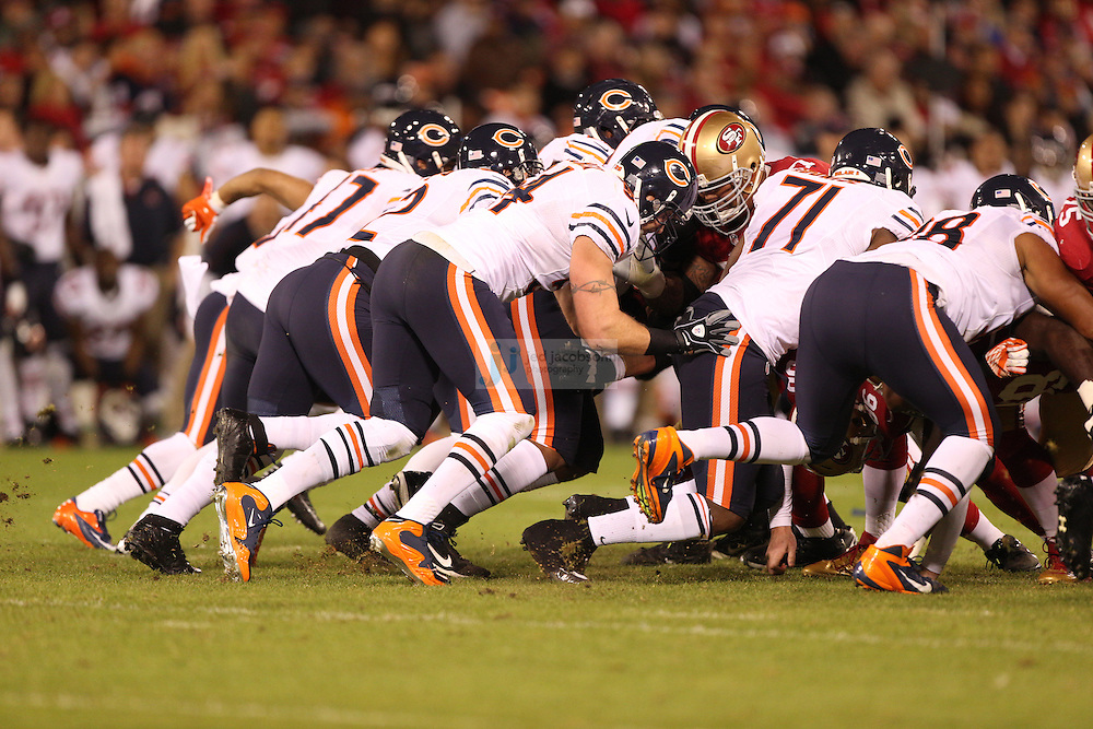 Chicago Bears linebacker Brian Urlacher (54) in action against the San Francisco 49ers, during an NFL game on Monday Nov. 19, 2012 in San Francisco, CA.  (photo by Jed Jacobsohn)