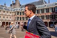 DEN HAAG - Premier Mark Rutte bij aankomst op het Binnenhof voor onderhandelingen voor de kabinetsformatie met VVD, CDA, D66 en ChristenUnie onder leiding van informateur Gerrit Zalm.  copyrigth robin utrecht