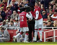 Photo: Olly Greenwood.<br />Arsenal v Blackburn Rovers. The FA Cup. 17/02/2007. Arsenal's Emmanuel Adebayor and Blackburn's Christopher Samba