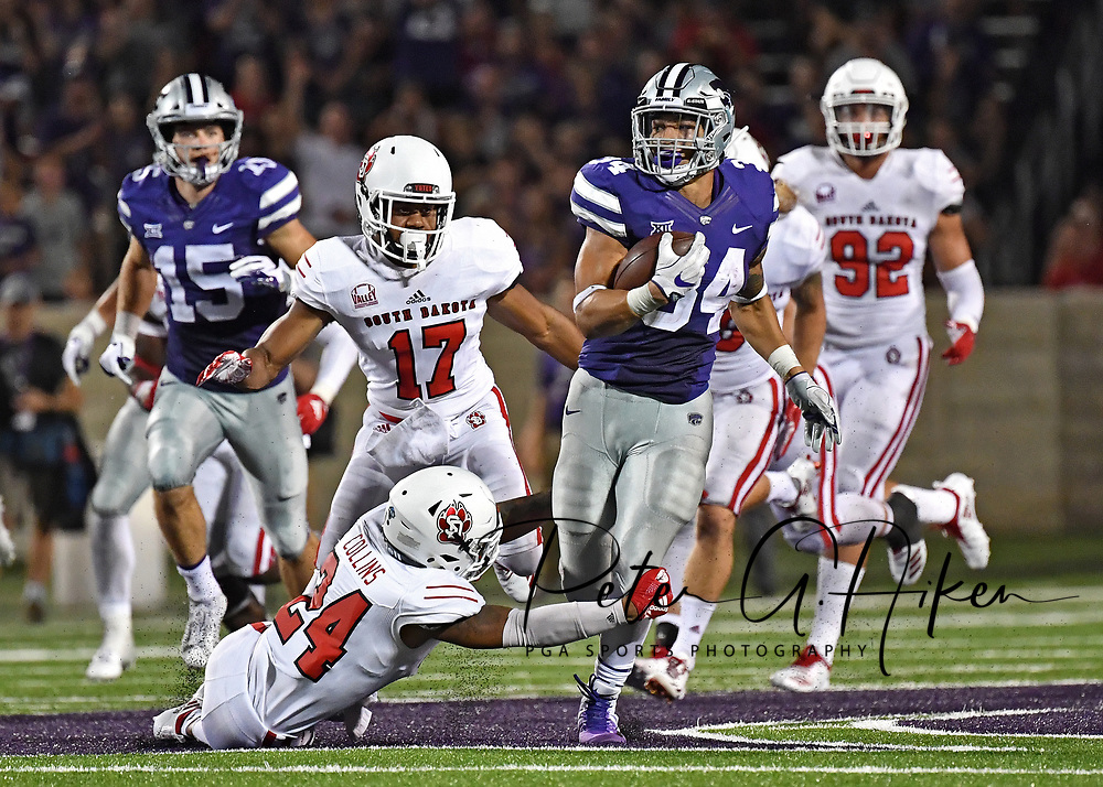 MANHATTAN, KS - SEPTEMBER 01:  Running back Alex Barnes #34 of the Kansas State Wildcats rushes up field during the second half against the South Dakota Coyotes on September 1, 2018 at Bill Snyder Family Stadium in Manhattan, Kansas.  (Photo by Peter G. Aiken/Getty Images) *** Local Caption *** Alex Barnes