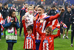 May 16, 2018 - Lyon, France - Olympique de Marseille v Atletico de Madrid - Uefa Europa League Final.Fernando Torres of Atletico celebrates with his sons at Groupama Stadium in Lyon, France on May 16, 2018. (Credit Image: © Matteo Ciambelli/NurPhoto via ZUMA Press)