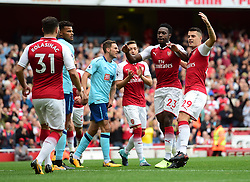 Danny Welbeck of Arsenal celebrates his goal with Granit Xhaka of Arsenal - Mandatory by-line: Alex James/JMP - 09/09/2017 - FOOTBALL - Emirates Stadium - London, England - Arsenal v Bournemouth - Premier League