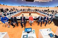 07 JUL 2017, HAMBURG/GERMANY:<br /> Recep Tayyip Erdogan, Praesident Tuerkei, Theresa May, Premierministerin Gross Britannien, Donald Trump, Praesident Vereingte Staaten von Amerika, USA, Xi Jinping, Praesident Volksrepublik China, Angela Merkel, CDU, Bundeskanzlerin, Mauricio Macri, Praesident Argentinien, Malcolm Turnbull, Premierminister Australien, Michel Temer, Praesident Brasilien, (vorne v.L.n.R.), vor Beginn der 1. Arbeitssitzung, G20 Gipfel, Messe<br /> IMAGE: 20170707-01-011<br /> KEYWORDS: G20 Summit, Deutschland, Gespr&auml;ch