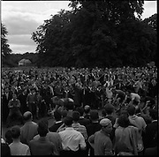 25/06/1961<br /> 06/25/1961<br /> 25 June 1961<br /> Rás Tailteann at Parnell Square, Dublin. <br /> The crowd cheers the riders over the line. <br /> The Rás Tailteann is an annual 8-day international cycling stage race held in Ireland.
