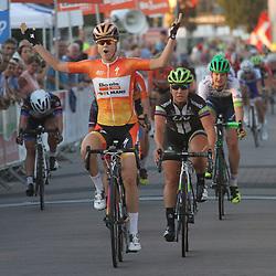 Amalie Dideriksen wins firts stage