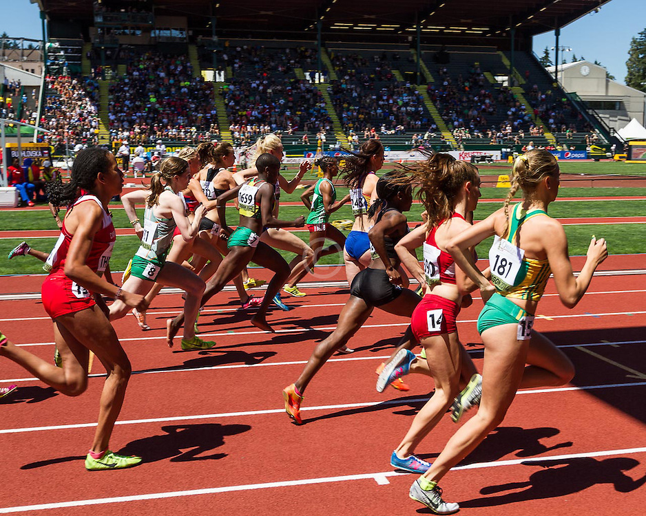start of women's 1500 meter heat 2, Elise Cranny