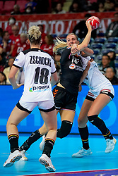 08-12-2019 JAP: Netherlands - Germany, Kumamoto<br /> First match Main Round Group1 at 24th IHF Women's Handball World Championship, Netherlands lost the first match against Germany with 23-25. / Kelly Dulfer #18 of Netherlands, Alicia Stolle #17 of Germany