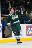 KELOWNA, CANADA - JANUARY 22: Joshua Winquist #21 of the Everett Silvertips salutes fans as he accepts the first star of the game against the Kelowna Rockets on January 22, 2014 at Prospera Place in Kelowna, British Columbia, Canada.   (Photo by Marissa Baecker/Getty Images)  *** Local Caption *** Joshua Winquist;