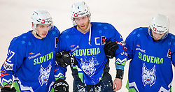 13.02.2016, Olympiaworld, Innsbruck, AUT, Euro Ice Hockey Challenge, Slowakei vs Slowenien, im Bild Nik Pem (SLO), Andrej Tavzelj (SLO) und Gregor Koblar (SLO) // Nik Pem of Slowenia Andrej Tavzelj of Slowenia und Gregor Koblar of Slowenia during the Euro Icehockey Challenge Match between Slovakia and Slovenia at the Olympiaworld in Innsbruck, Austria on 2016/02/13. EXPA Pictures © 2016, PhotoCredit: EXPA/ Jakob Gruber