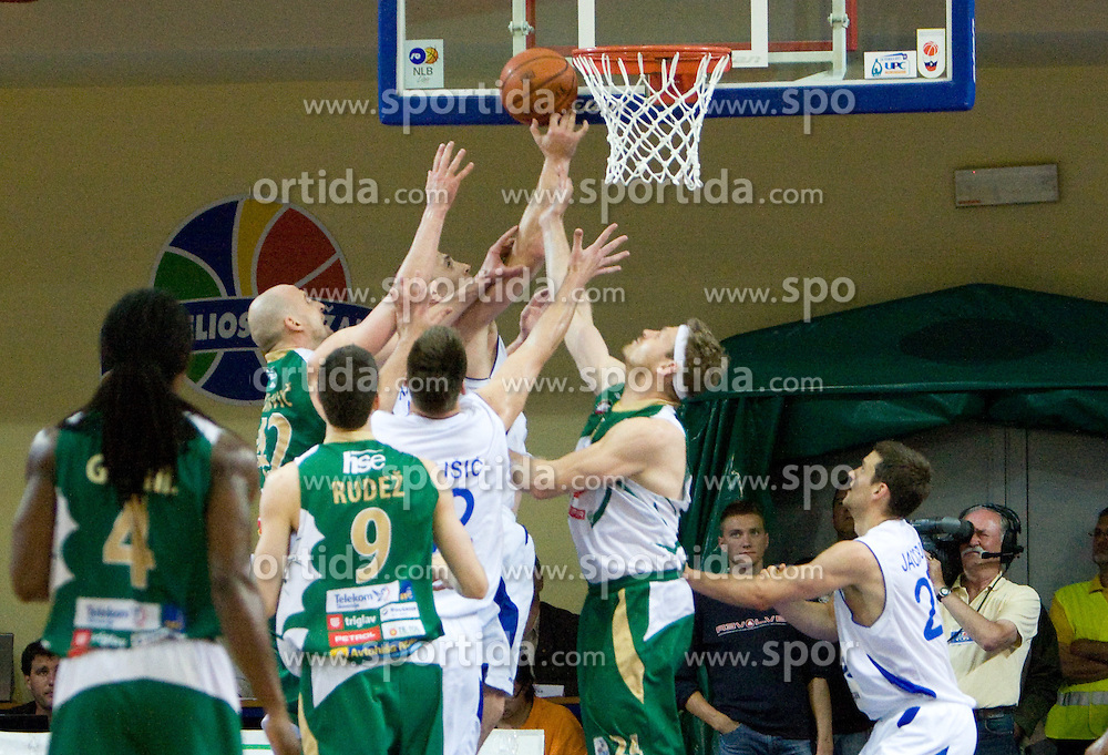 Marko Maravic of Olimpija, Aleksej Laskevic of Helios,  Miha Zupan of Olimpija at second finals basketball match of Slovenian Men UPC League between KK Helios Domzale and KK Union Olimpija, on May 30, 2009, in SC Domzale, Domzale, Slovenia. (Photo by Vid Ponikvar / Sportida)