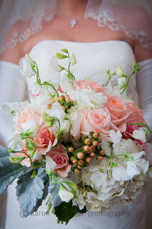 Capturing details of the wedding to ensure that you don't forget anything about your special day!