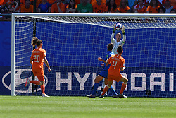 June 29, 2019 - Valenciennes, France - Netherlands' goalkeeper Sari van Veenendaal catch the ball during the quarter-final between in ITALY and NETHERLANDS the 2019 women's football World cup at Stade du Hainaut, on the 29 June 2019. (Credit Image: © Julien Mattia/NurPhoto via ZUMA Press)
